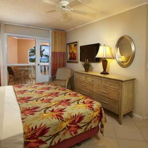 playa_linda-two_bedroom_suite-bed_1.jpg