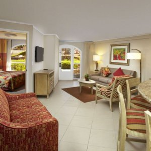 playa_linda-one_bedroom_lanai_suite-living_1.jpg