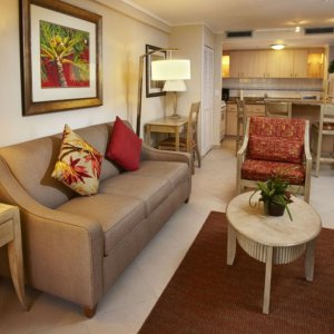 playa_linda-one_bedroom_lanai_suite-living_2.jpg
